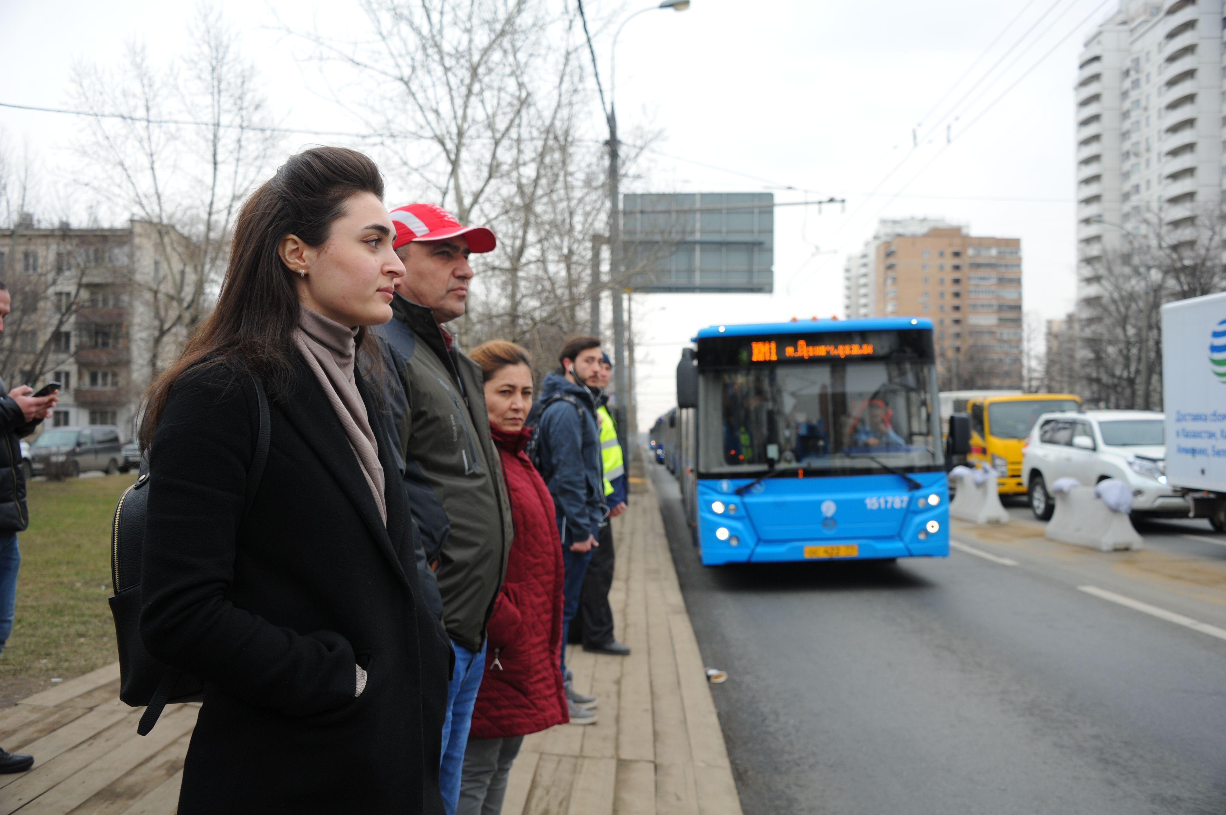 Специалисты организовали дополнительную дезинфекцию салонов автобусов