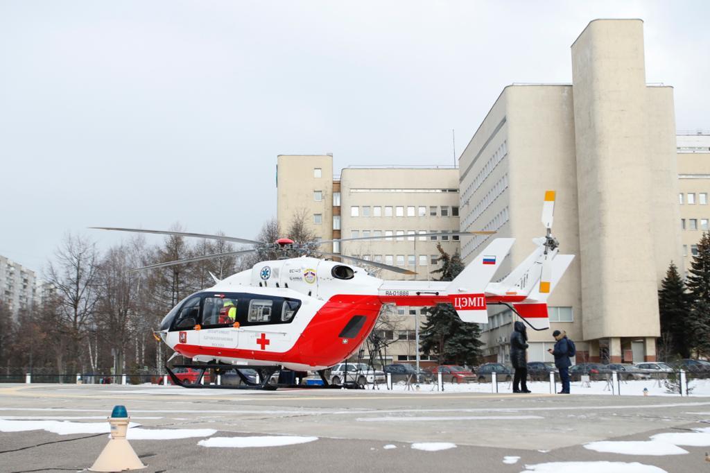 Жителя Новой Москвы санитарный вертолет доставил в больницу Кленовского