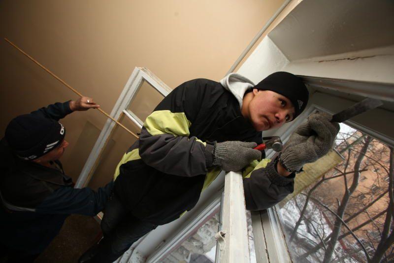 Окна заменили в подъезде жилого дома в Кокошкине
