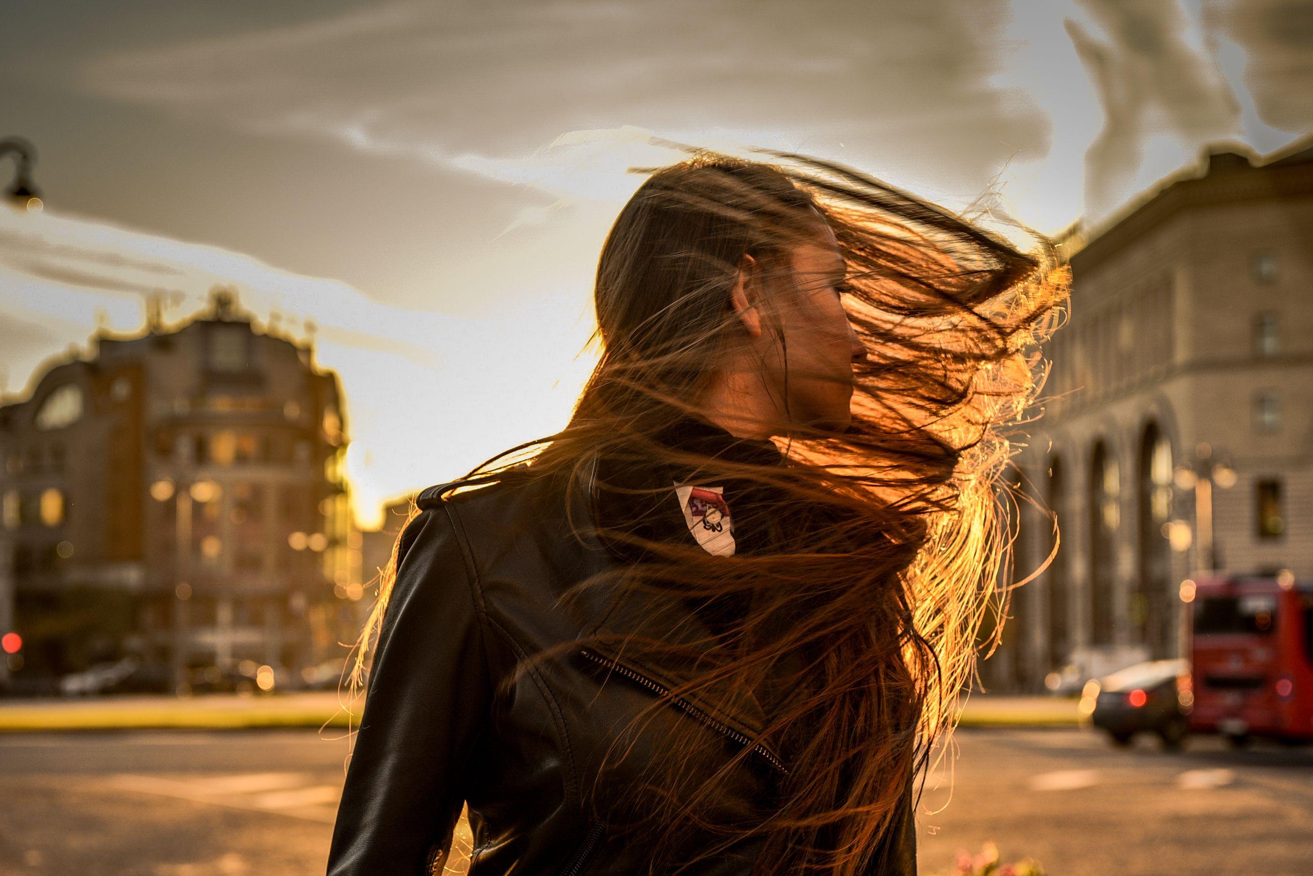 МЧС пригрозило Москве сильным ветром в понедельник