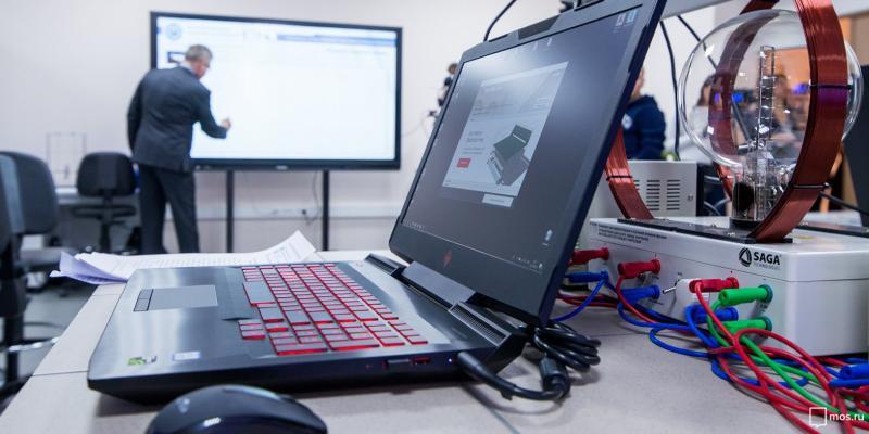 Ученики смогут воспользоваться единой сетью Wi-Fi во всех столичных школах. Фото: сайт мэра Москвы