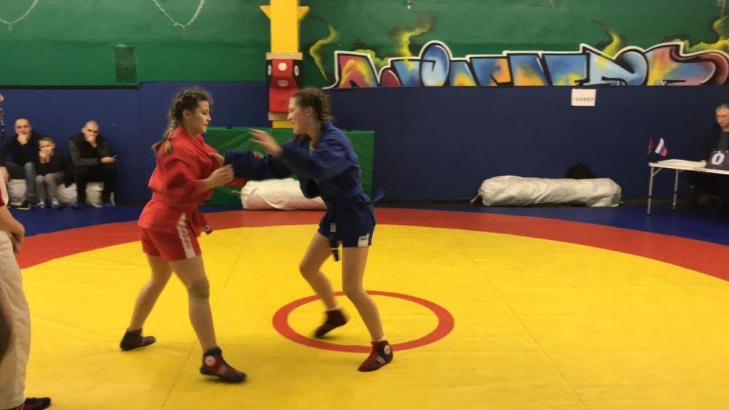 Самбистка из Щербинки победила в межрайонном турнире
