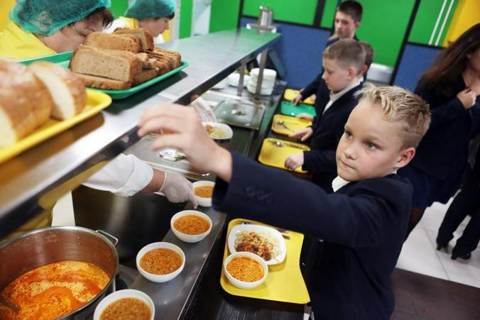 Опрос ВЦИОМ: Две трети родителей довольны качеством школьного питания. Фото: архив