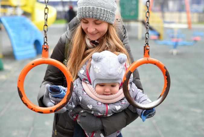 Детскую площадку отремонтировали в Новофедоровском