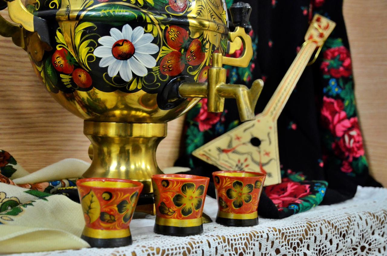 Выставку старинного сервиза «Давайте почаевничаем» открыли в Троицке