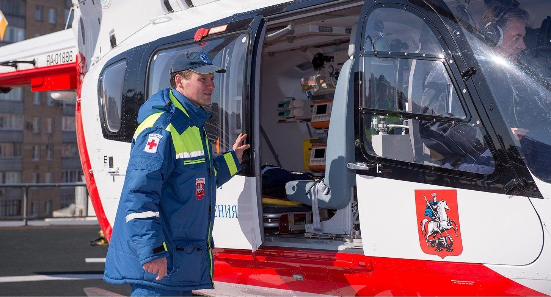 Сотрудники Московского авиацентра спасли юношу в Рязановском