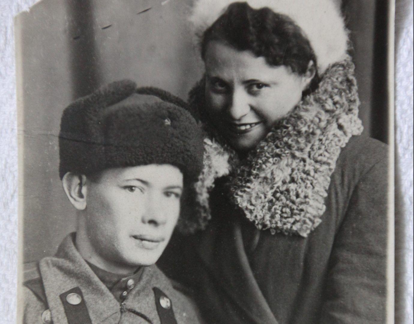 Женщина познакомилась со своим будущим мужем Михаилом Борисовым в 1941-м. Вместе они прошли всю Великую Отечественную войну. Фото из личного архива