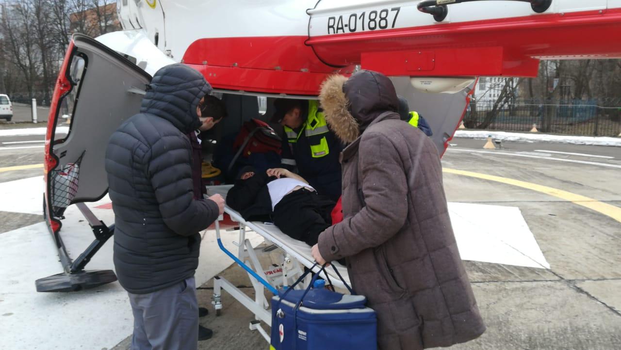 Санитарный вертолет доставил пациента из Яковлевского в больницу