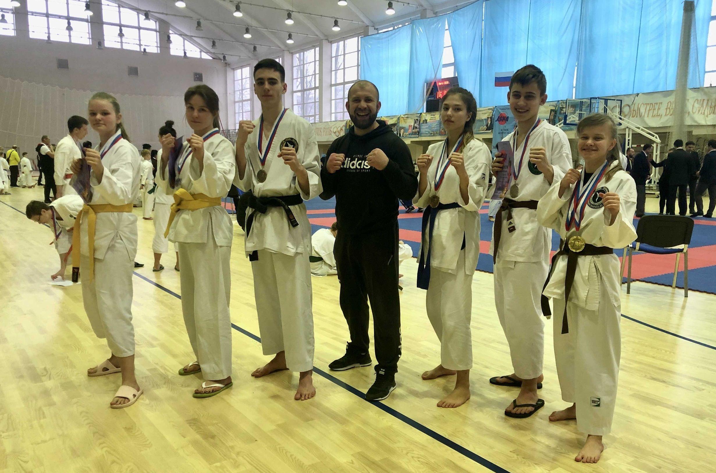 Каратисты из Щербинки собрали все медали на соревнованиях в Санкт-Петербурге