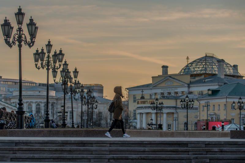 Москвичам пообещали десять градусов тепла в четверг