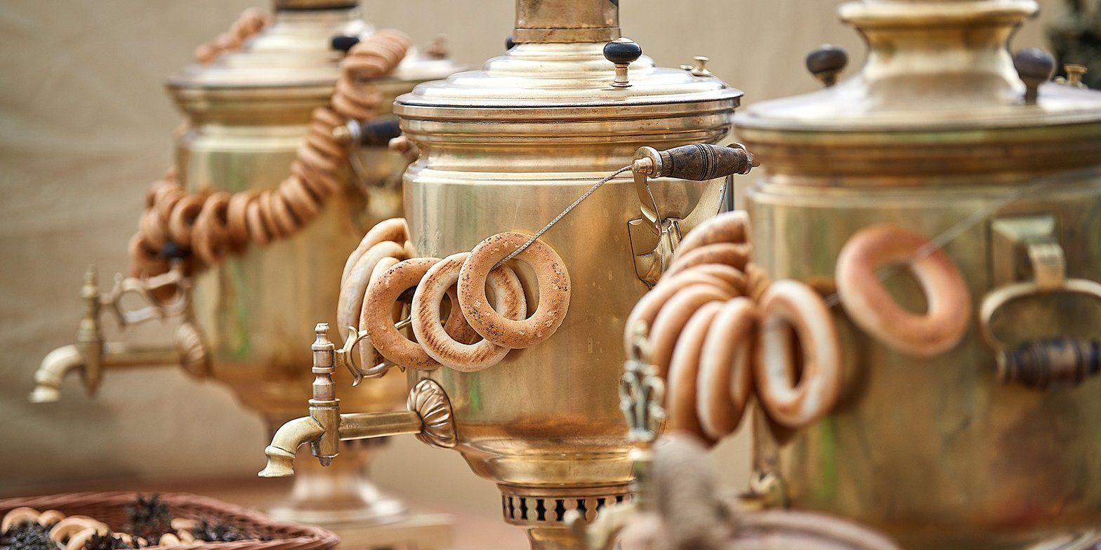 Ретро чайники и самовары прошлого столетия: выставку сервизов открыли в библиотеке Троицка