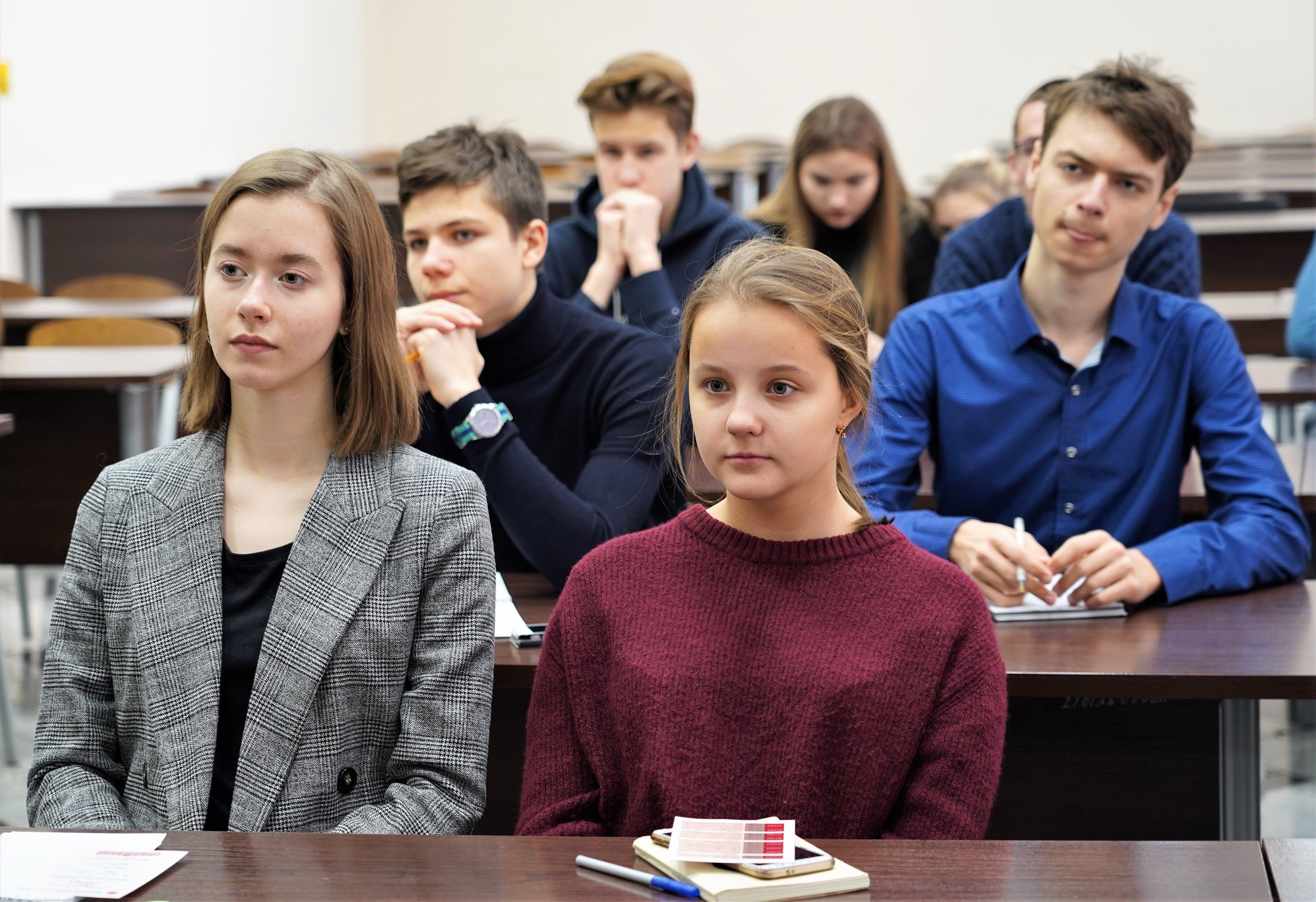 Родителям разрешат не водить детей в школу из-за коронавируса