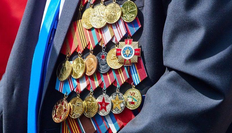 Ветеранов из Воскресенского наградили юбилейными медалями