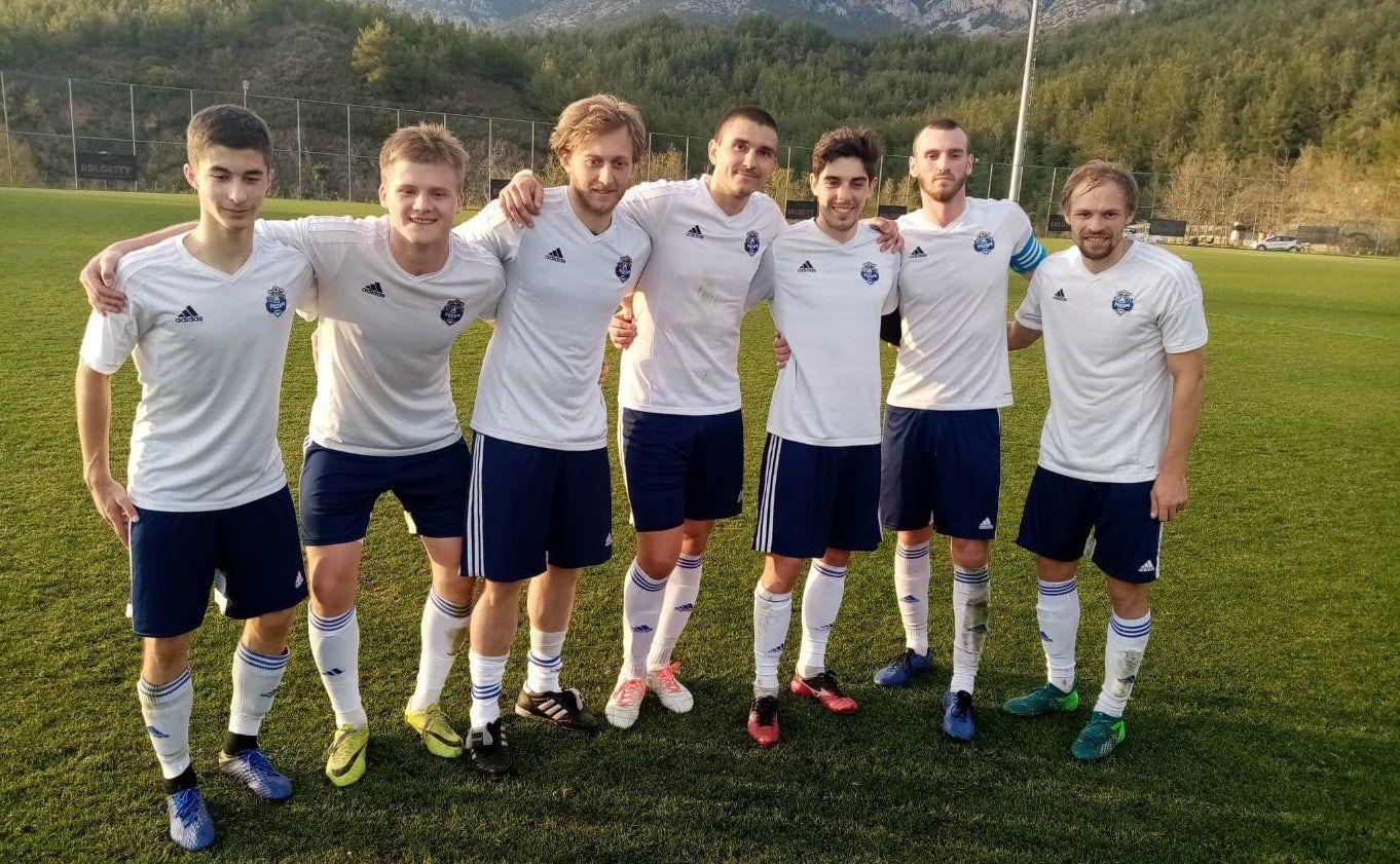 Футболисты из Московского провели товарищеский матч в Турции