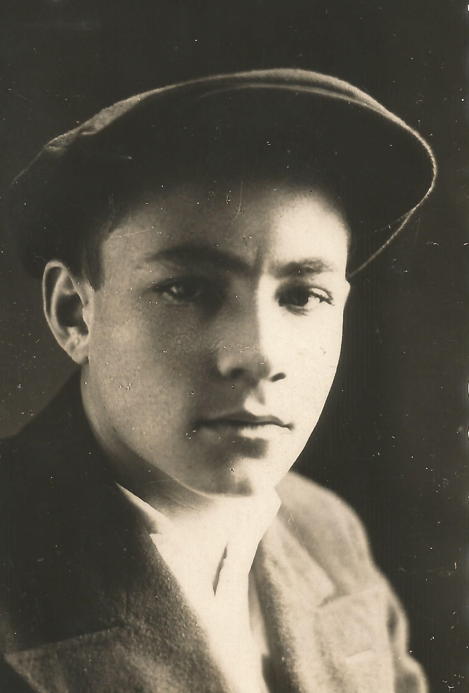 В 1942 году Геннадия Петрова направили на учебу в Хабаровское военно-пехотное училище. Фото: из семейного архива