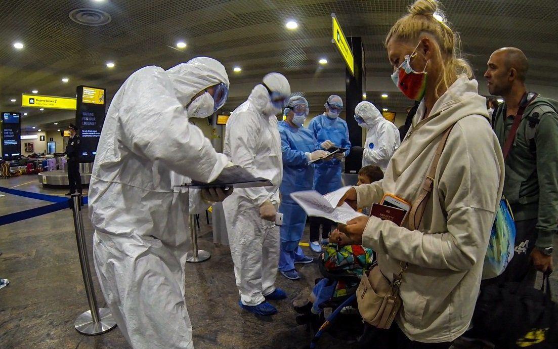 За неделю спасатели встретили в аэропортах столицы более полутора тысяч человек