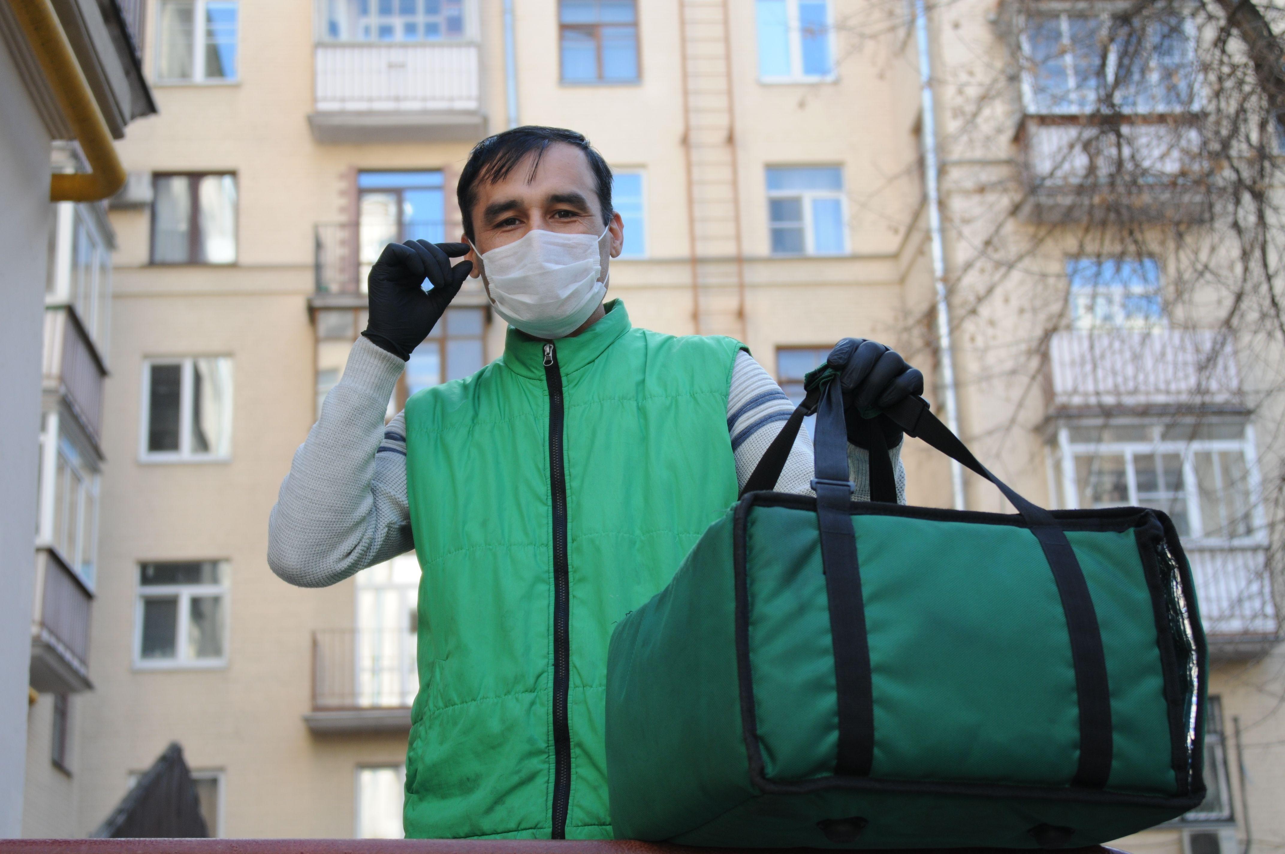 Число вакансий в сферах доставки и логистики выросло в Москве