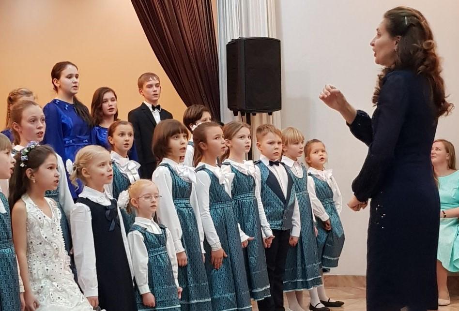 Лауреатом городского фестиваля стал хор Воскресенской детской школы искусств