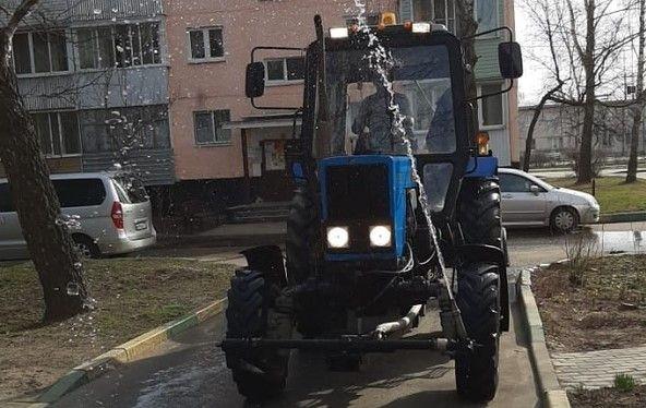 Свыше 190 участков дорожного покрытия промыли в Новофедоровском