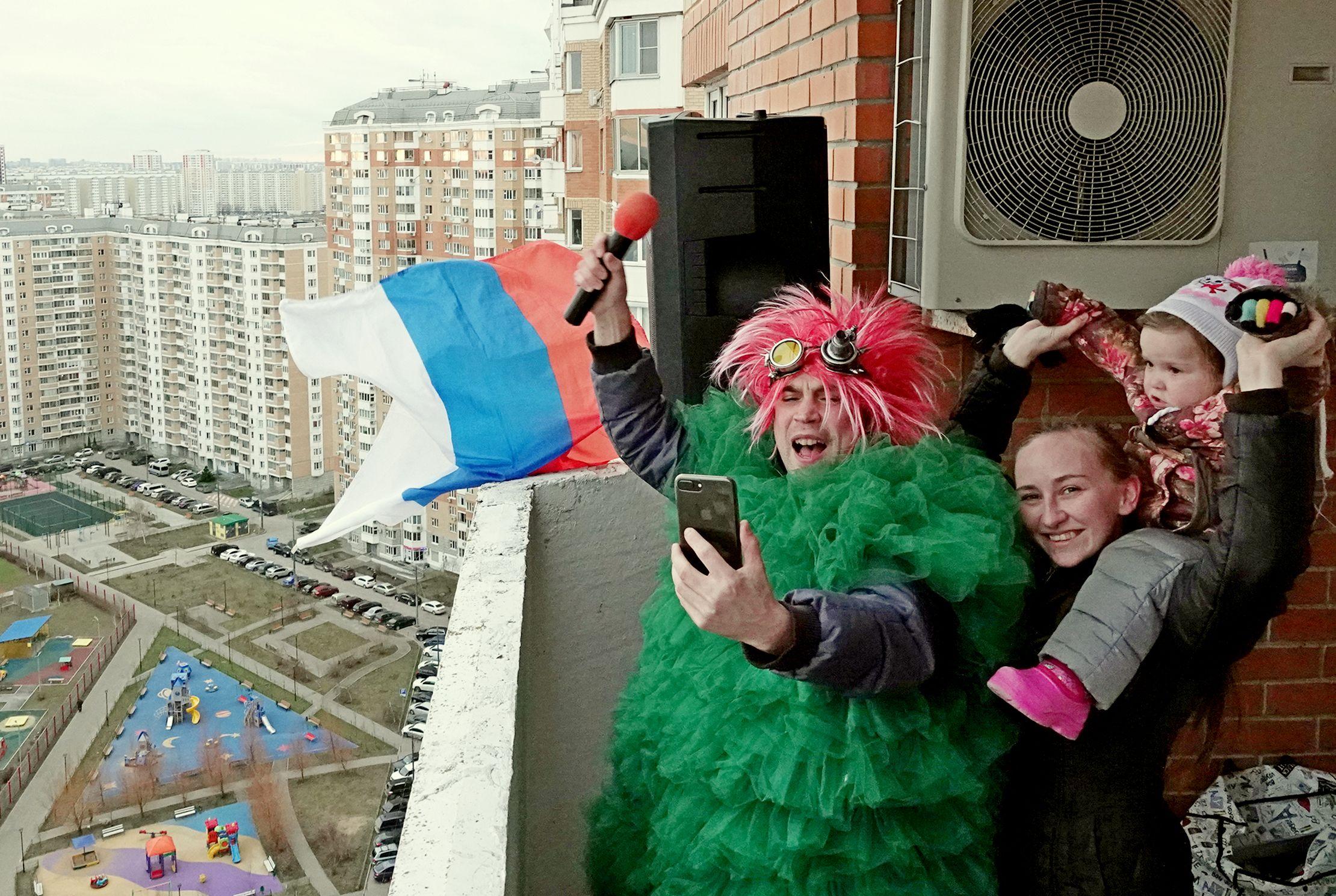 «Олимпийский» на балконе
