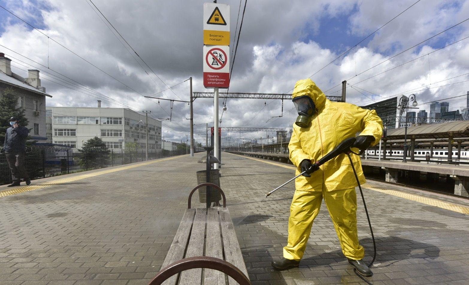 Масштабная дезинфекция дорог пройдет в Москве в десятый раз