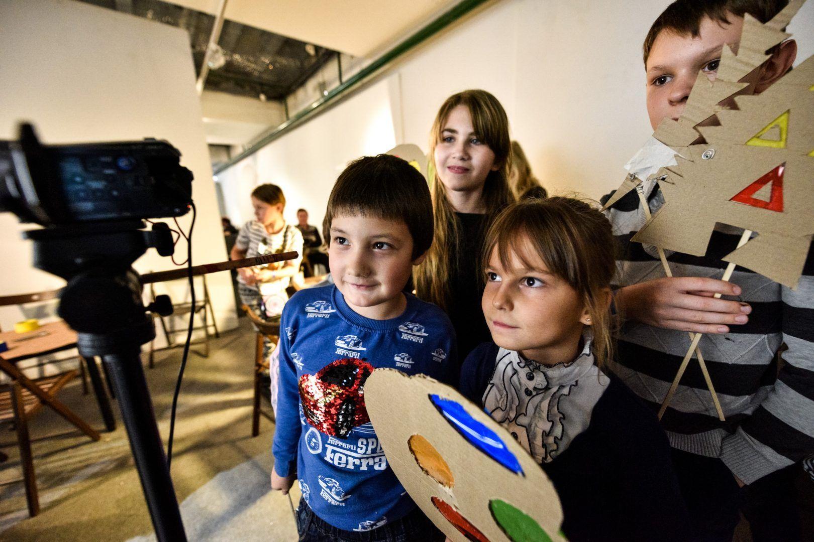 Свои работы на фестивале представили ребята из школьной студии «Мы — будущее». Фото: архив, «Вечерняя Москва»Свои работы на фестивале представили ребята из школьной студии «Мы — будущее». Фото: архив, «Вечерняя Москва»