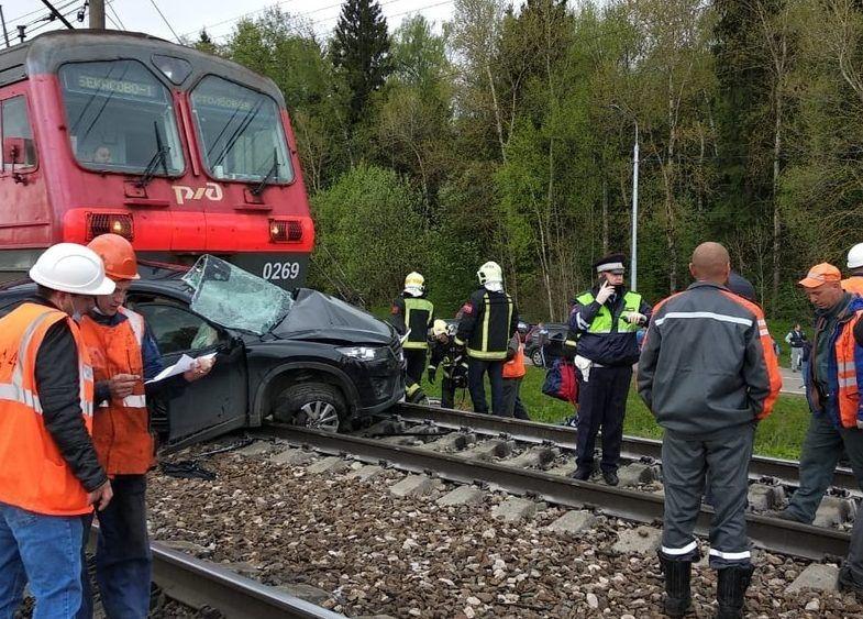 Спасатели из Новой Москвы ликвидировали последствия аварии в Киевском