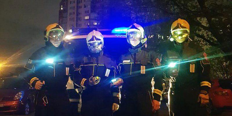 Пожарные и спасатели столицы 9 мая приняли участие в акции «Фонарики Победы»