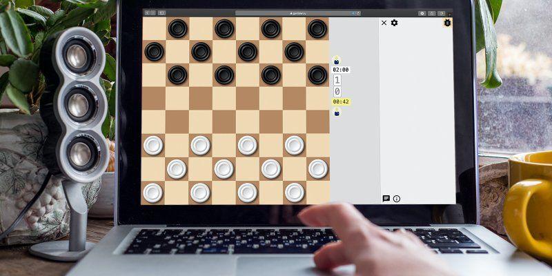 Школьники из Марушкинского проявили себя в онлайн-турнире по шашкам