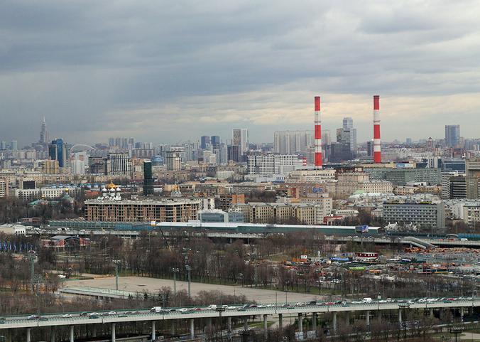 Облачную погоду и усиление ветра спрогнозировали в Москве