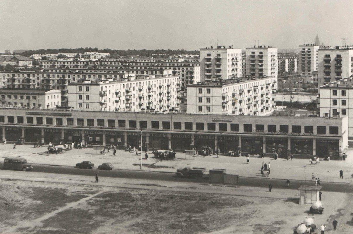 Дома из готовых квартир: историю строительства панелек рассказали москвичам