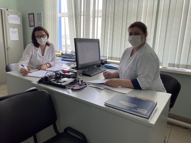 Московские спасатели поздравляют врачей с профессиональным праздником. Фото: пресс=служба Управления поТиНАОДепартаментаГОЧСиПБ