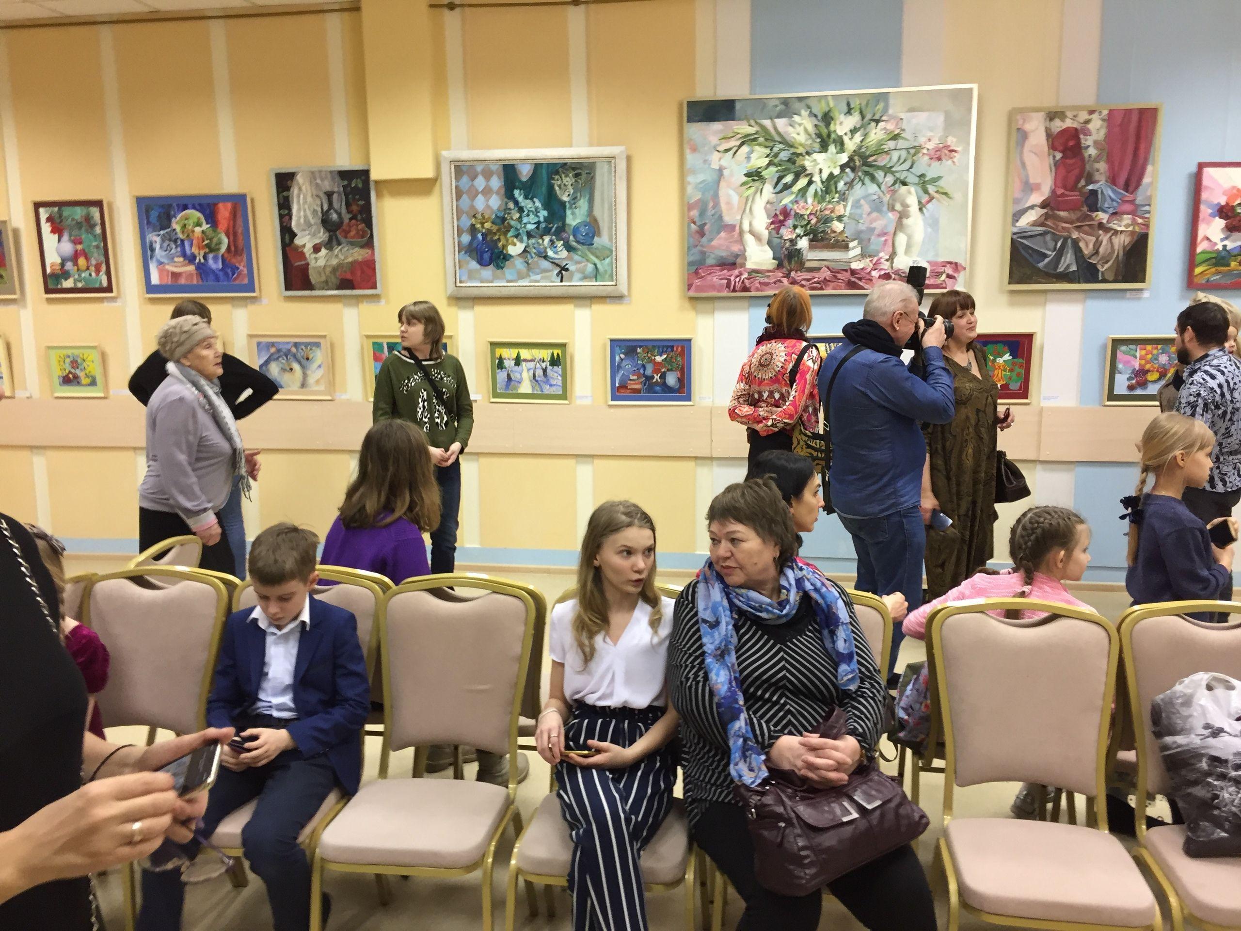 Видеоэкскурсию по выставке картин провели на базе Дома культуры «Десна»