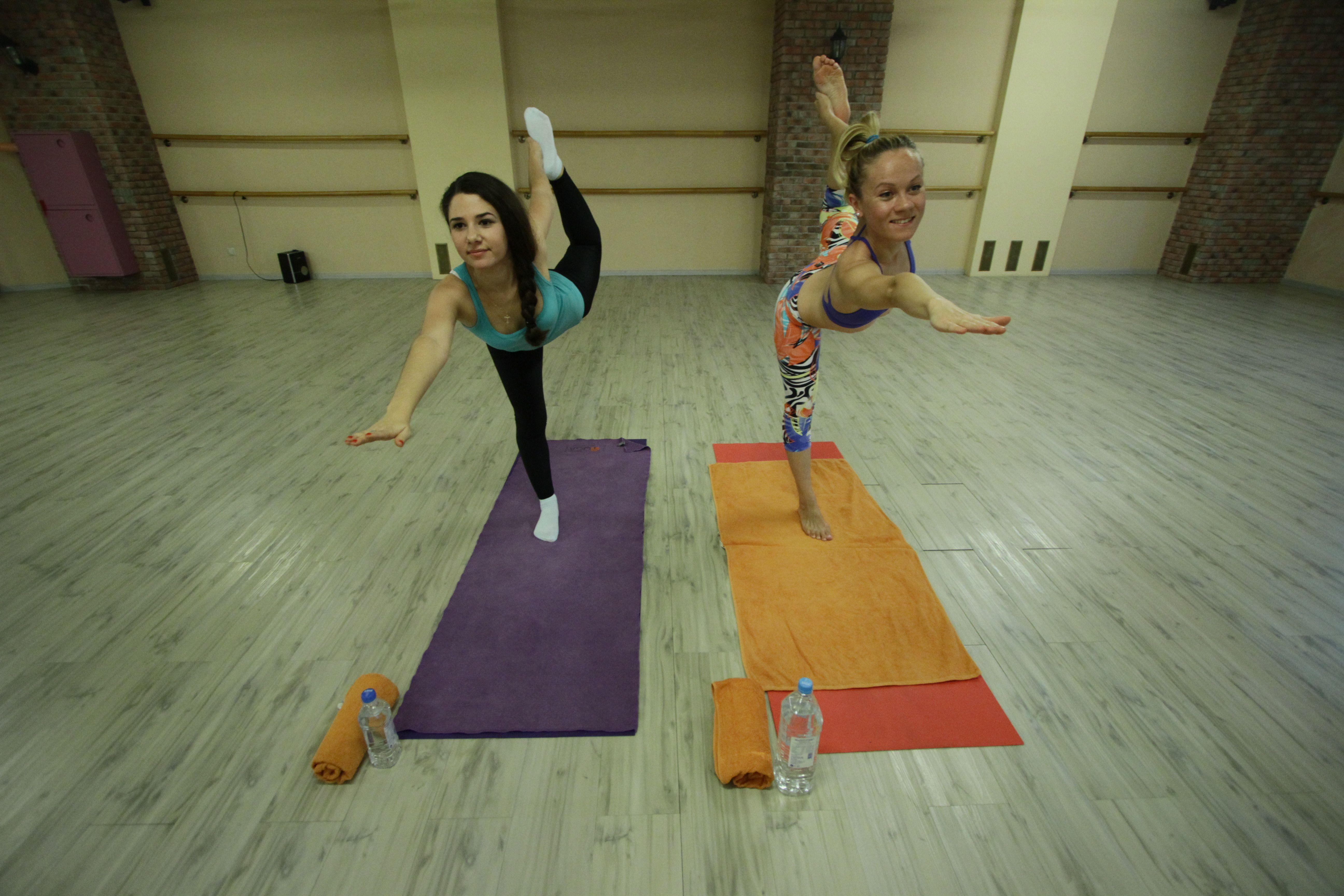 Москвичей пригласили на онлайн-занятия йогой