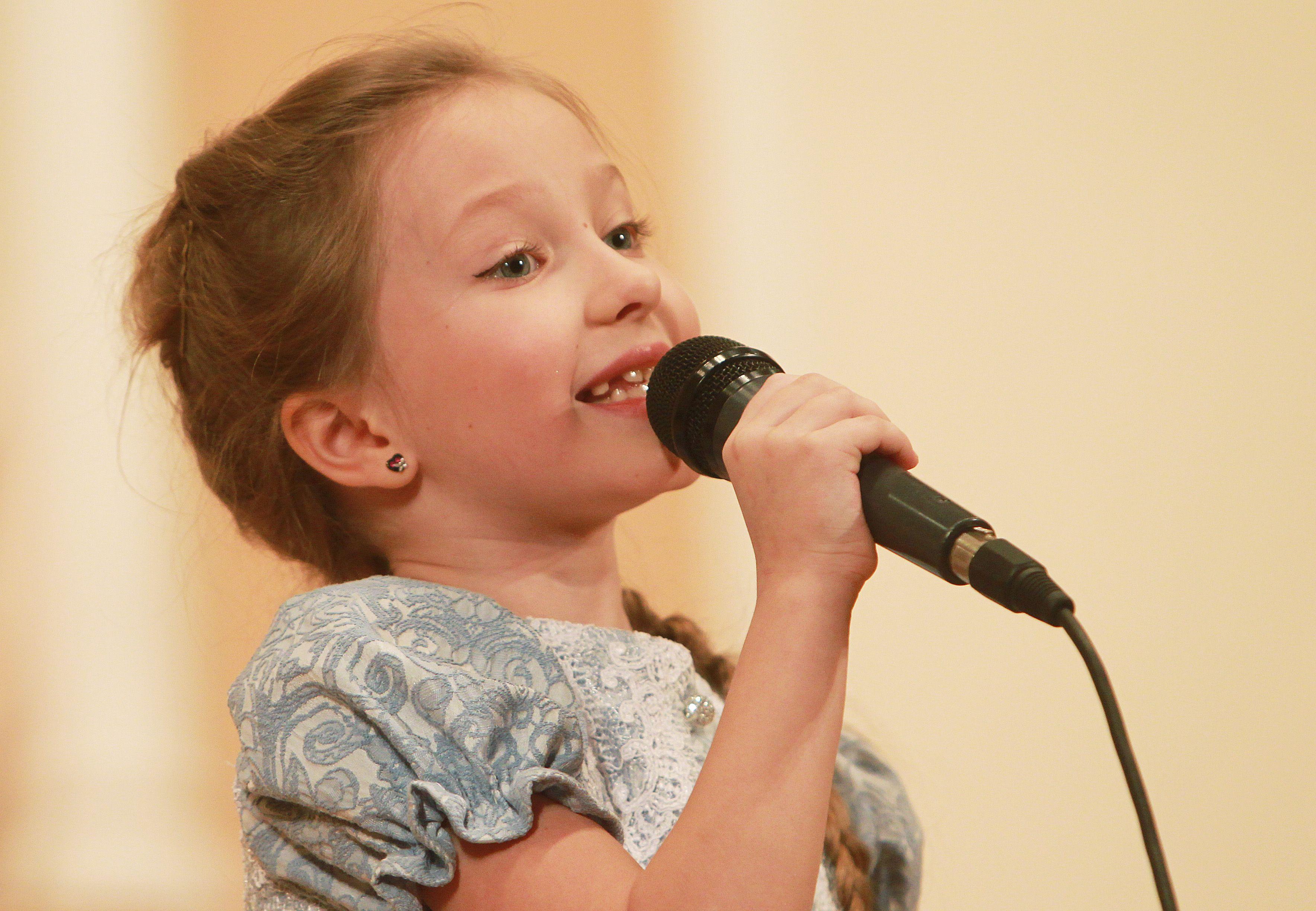 Победителей в номинации «Поем сами, поем с нами» конкурса «Пока все дома» определили в Щаповском