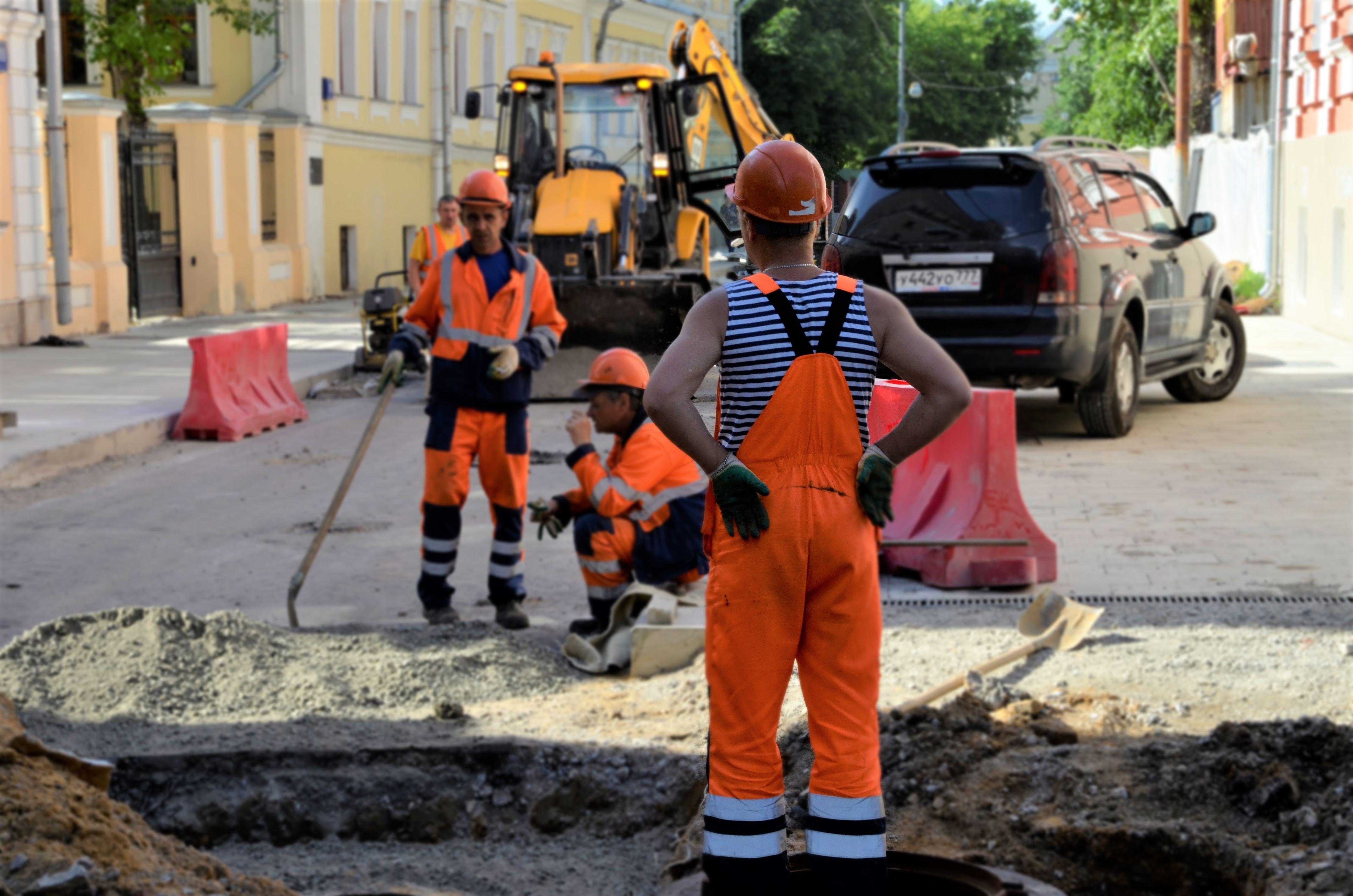 Новый асфальт положат на 12 улицах в Щербинке