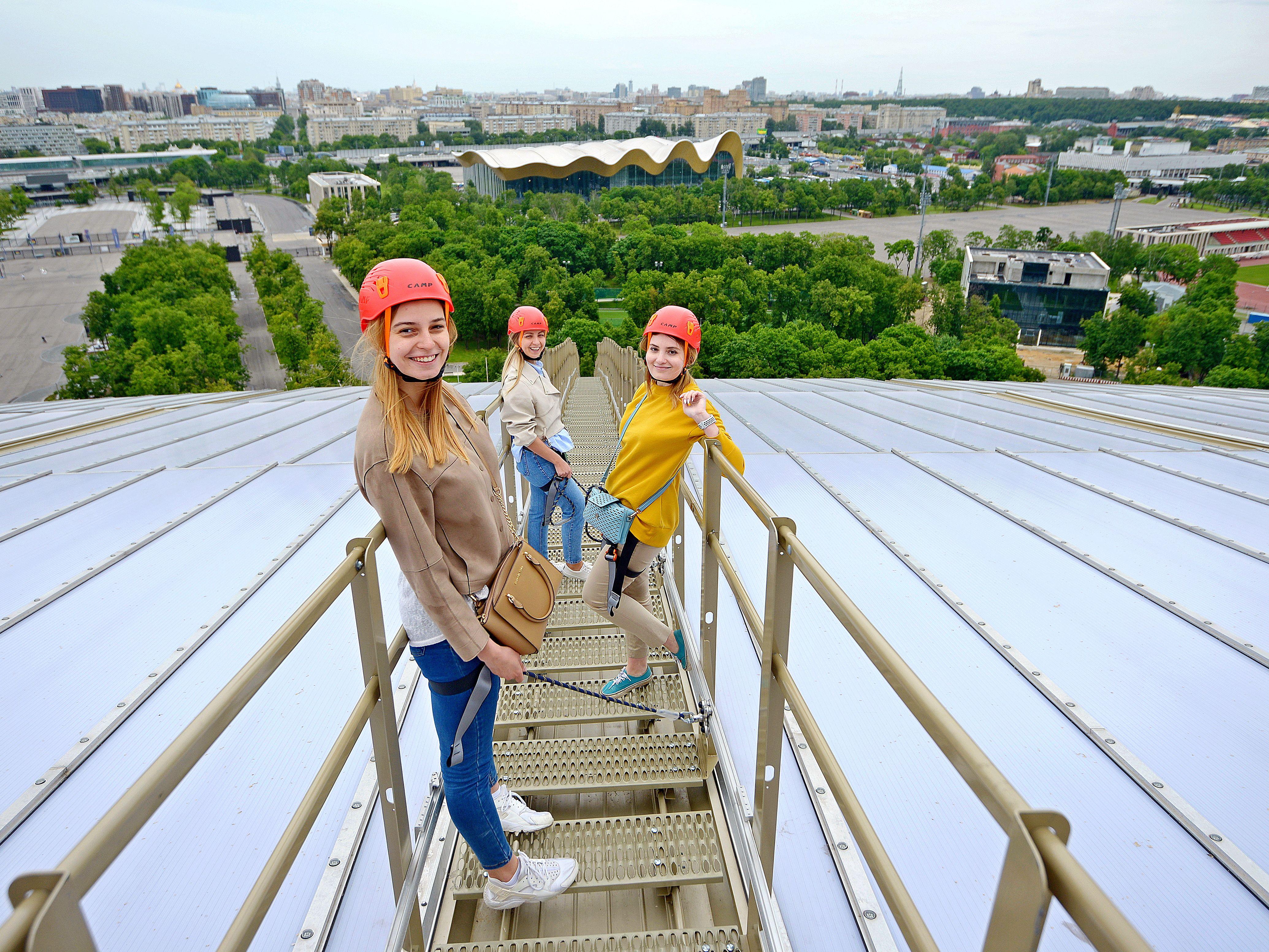 Москвичей вновь пустят на крышу «Лужников»