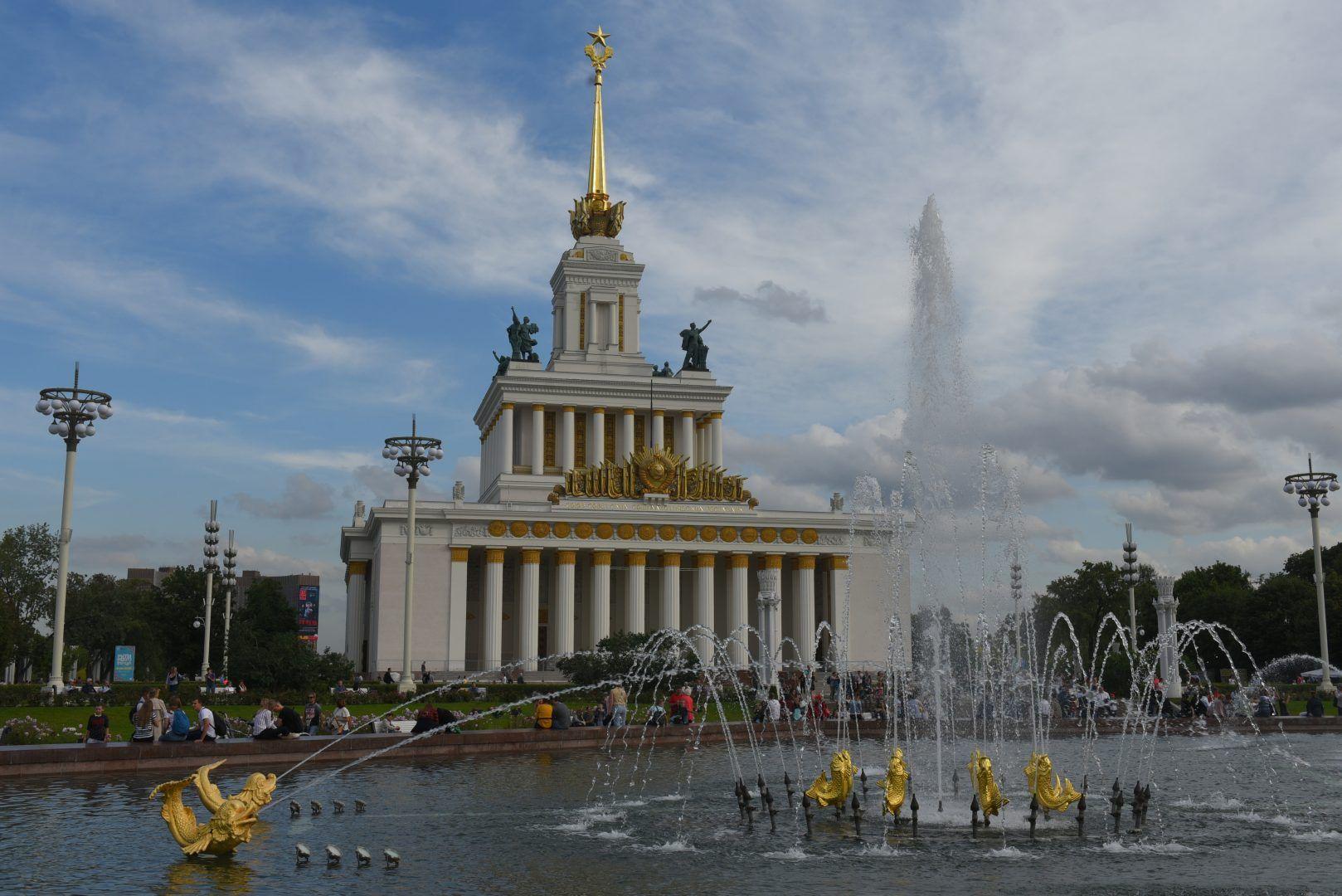 Павильоны и музеи ВДНХ откроют свои двери для посетителей с 16 июня. Фото: Александр Кожохин, «Вечерняя Москва»