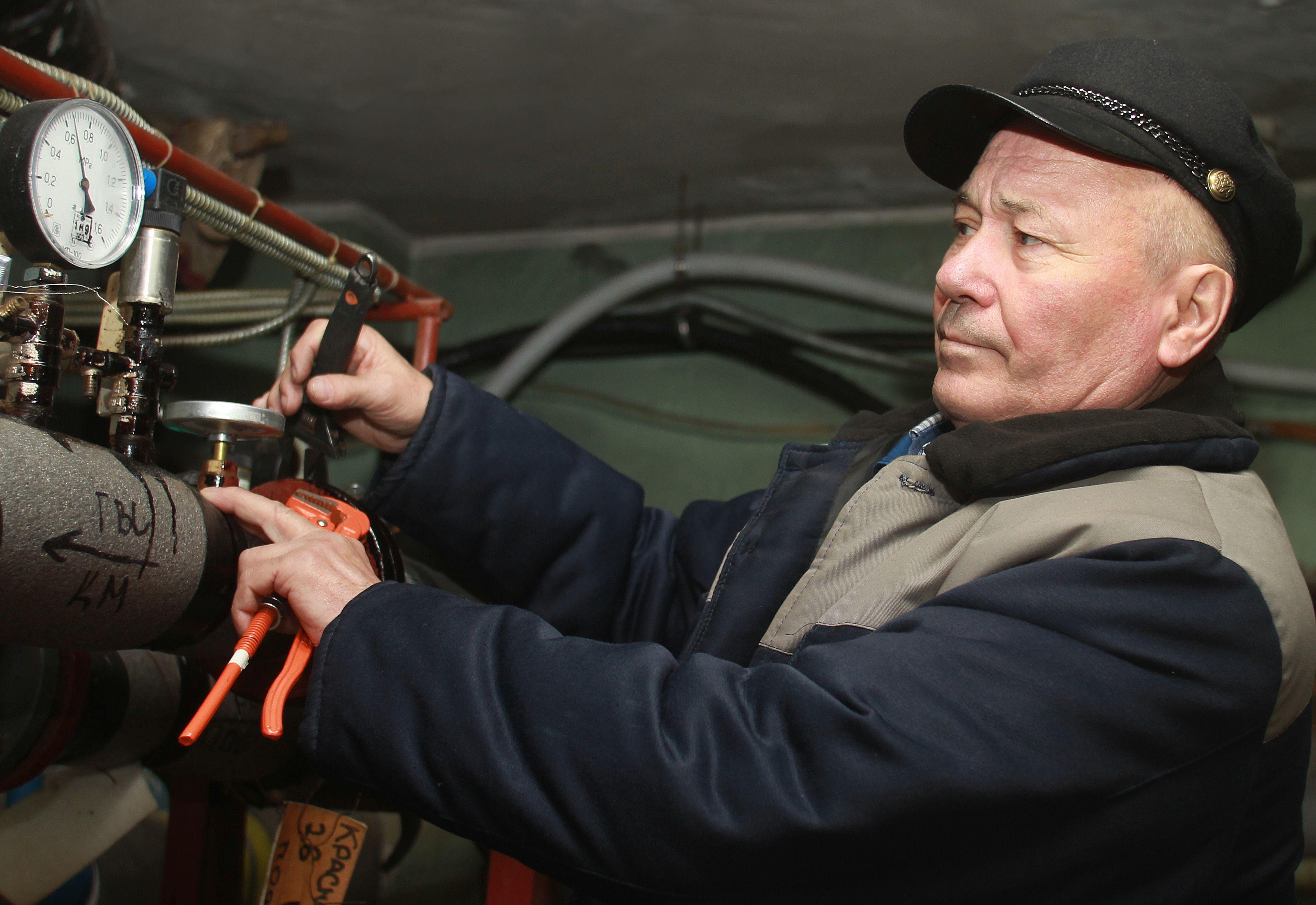 Комфорт в доме: опрессовку систем центрального отопления проведут в жилых зданиях в Краснопахорском