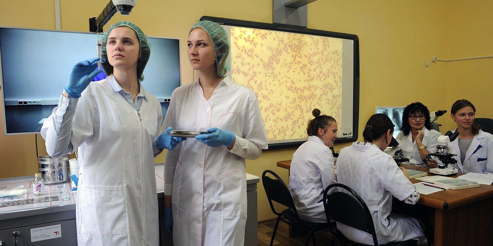 В Москве за пять лет число учеников медицинских классов увеличилось вдвое. Фото: сайт мэра Москвы