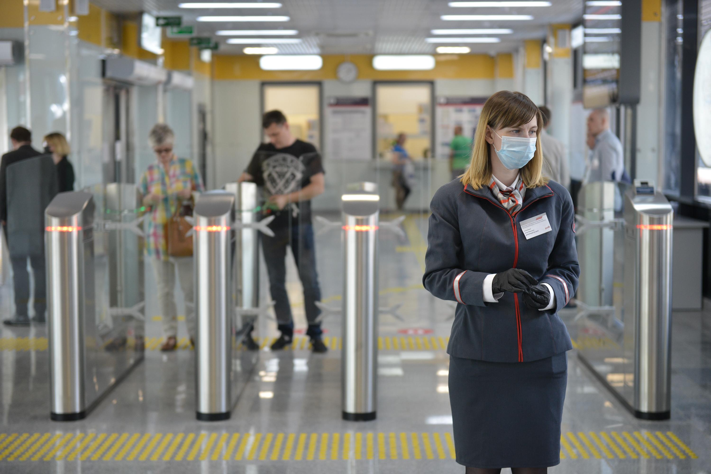 Рейды по проверке масок проходят на станциях метро и МЦК