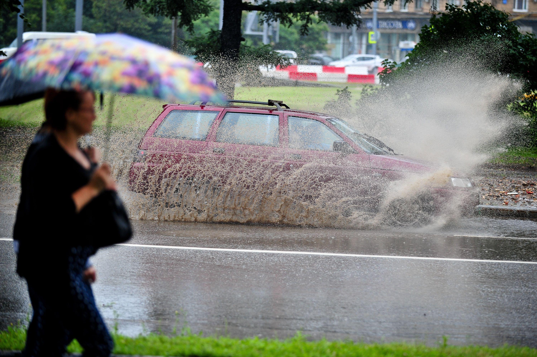 Гроза с ливнем нагрянет в Москву вечером 3 июля