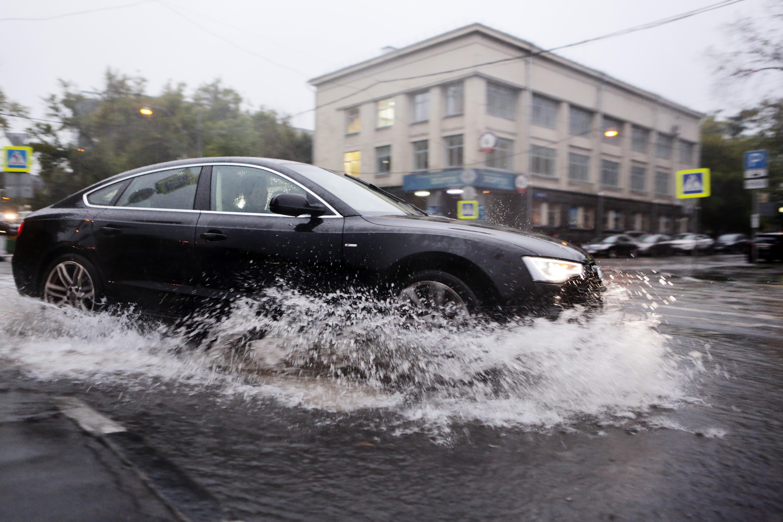 Москвичам пообещали рекордное количество осадков