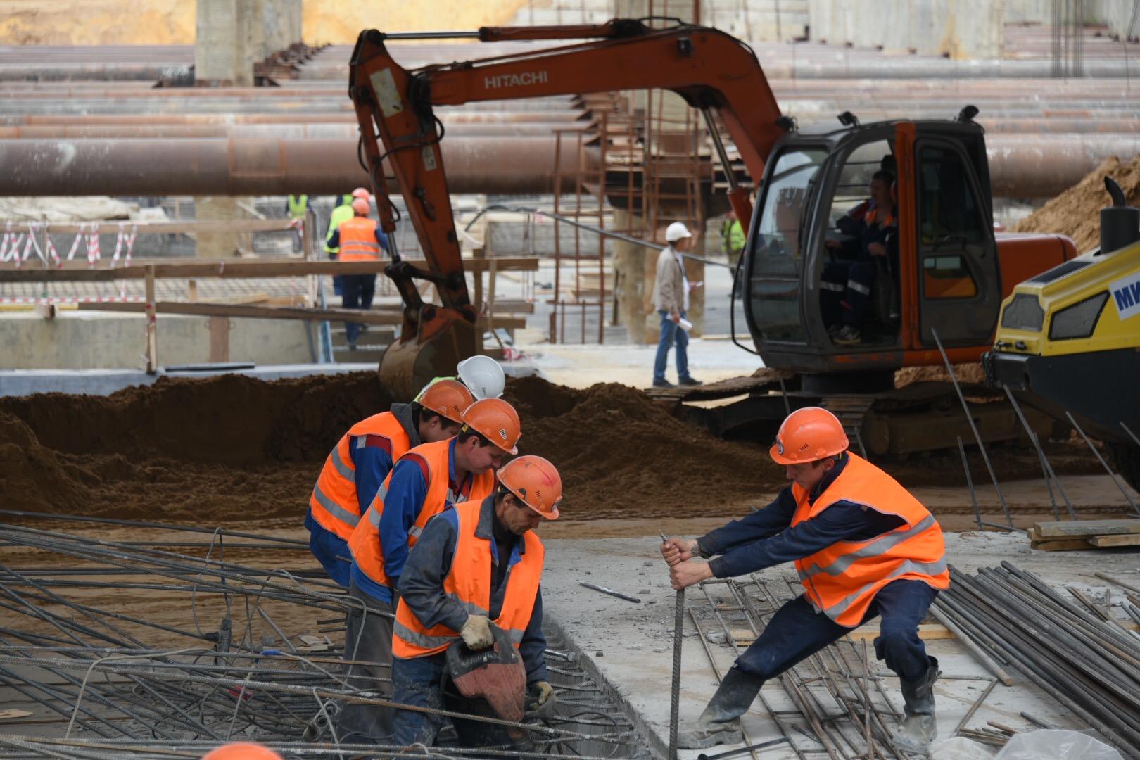 Сейчас специалисты прокладывают левый тоннель. Фото: Владимир Новиков, «Вечерняя Москва»