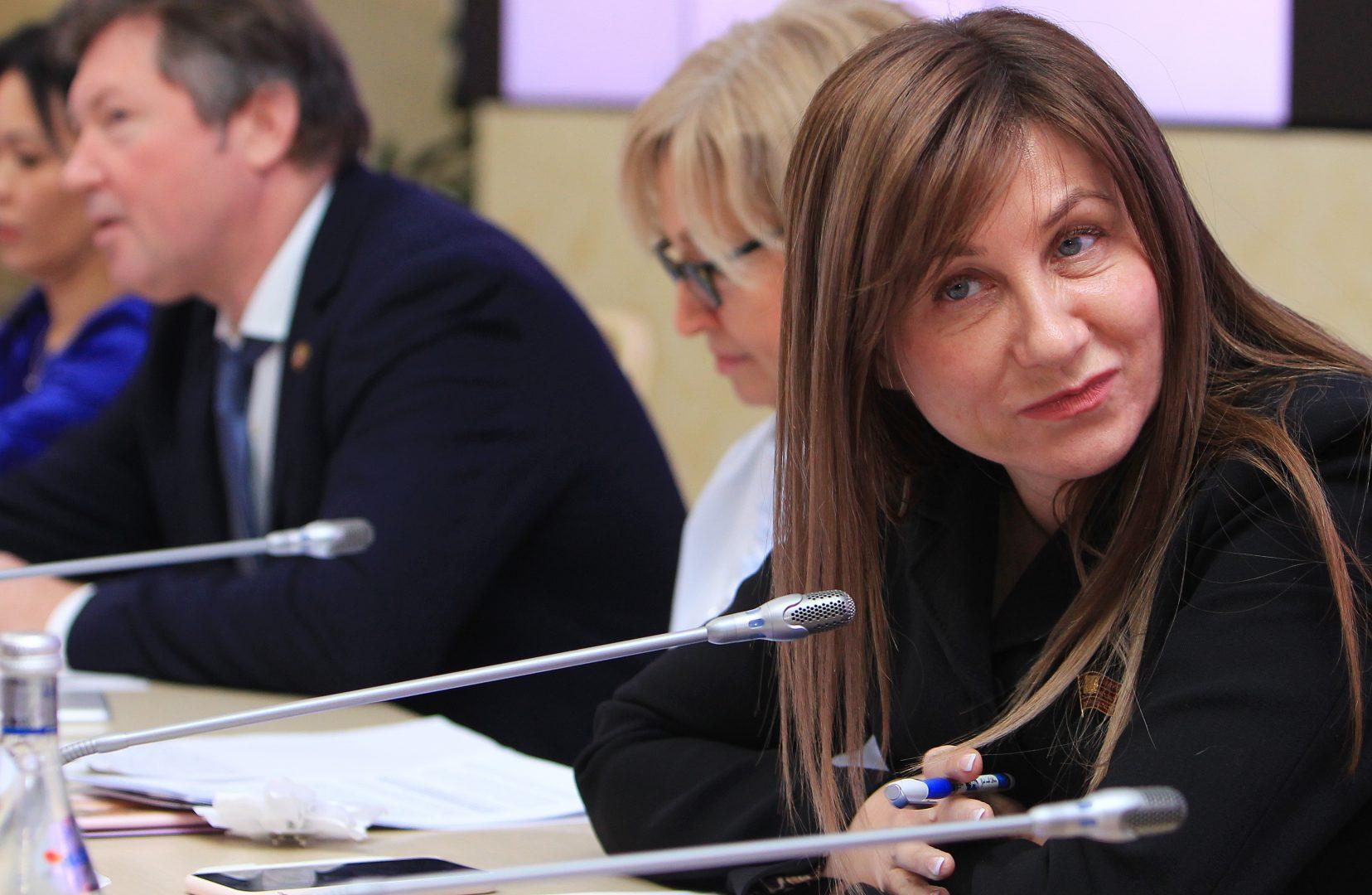 На фото депутат Лариса Картавцева