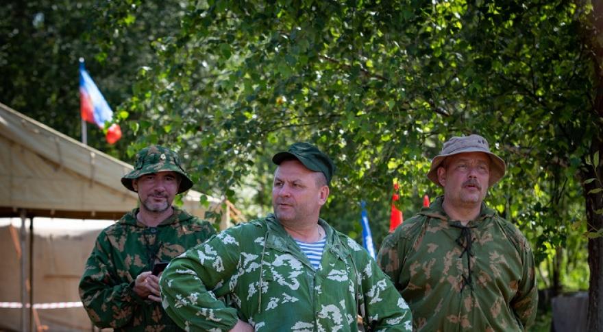 Активисты из Десеновского провели массовые страйкбольные игры