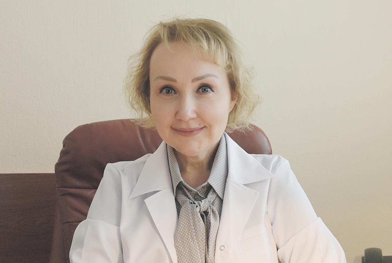 На фото: депутат Мосгордумы, главный врач городской поликлиники №3 департамента здравоохранения столицы Елена Самышина