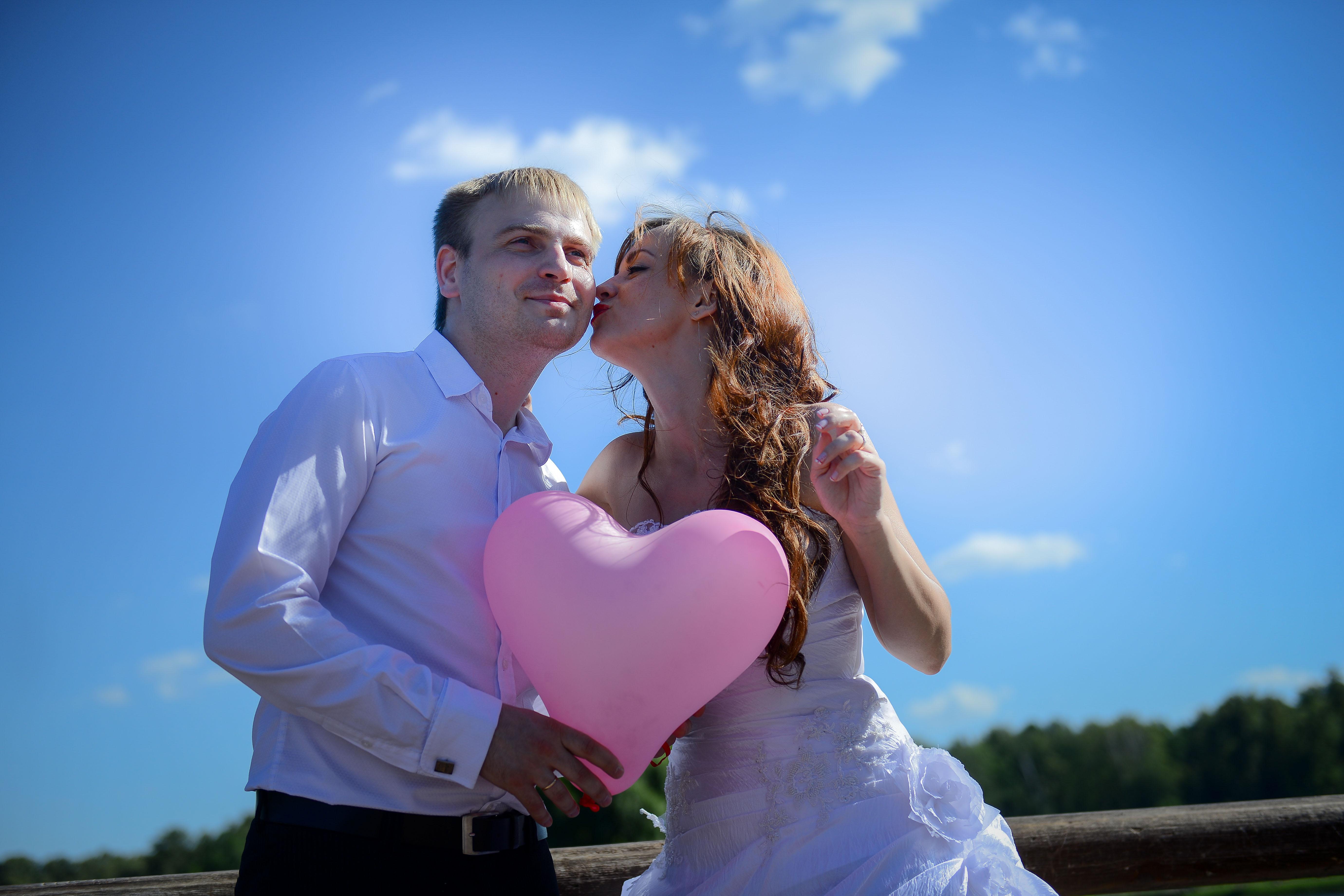 Москвичей пригласили справить свадьбу в парке