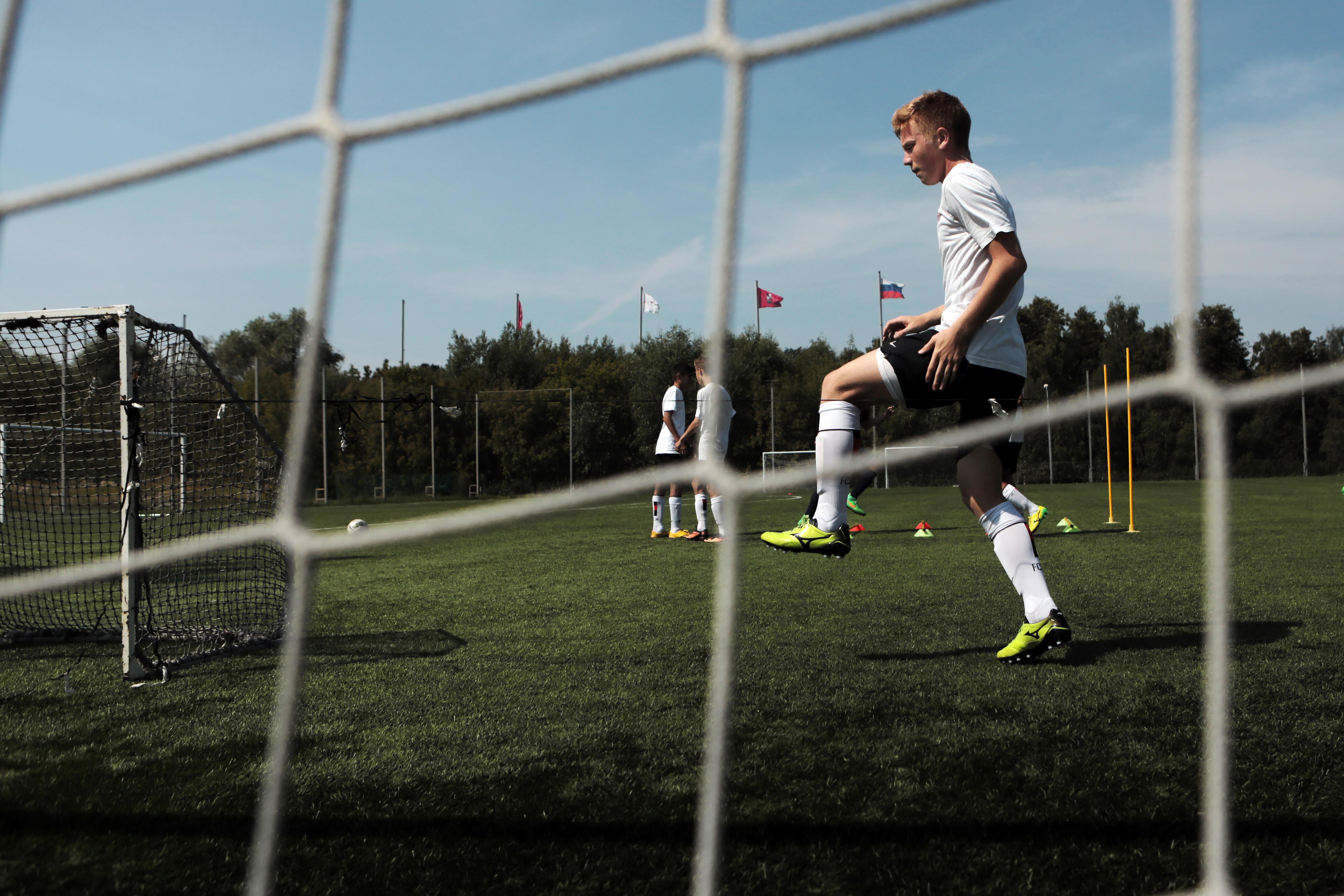 Новую серию отсняли для видеопроекта «Футбольный лифт» в Десеновском