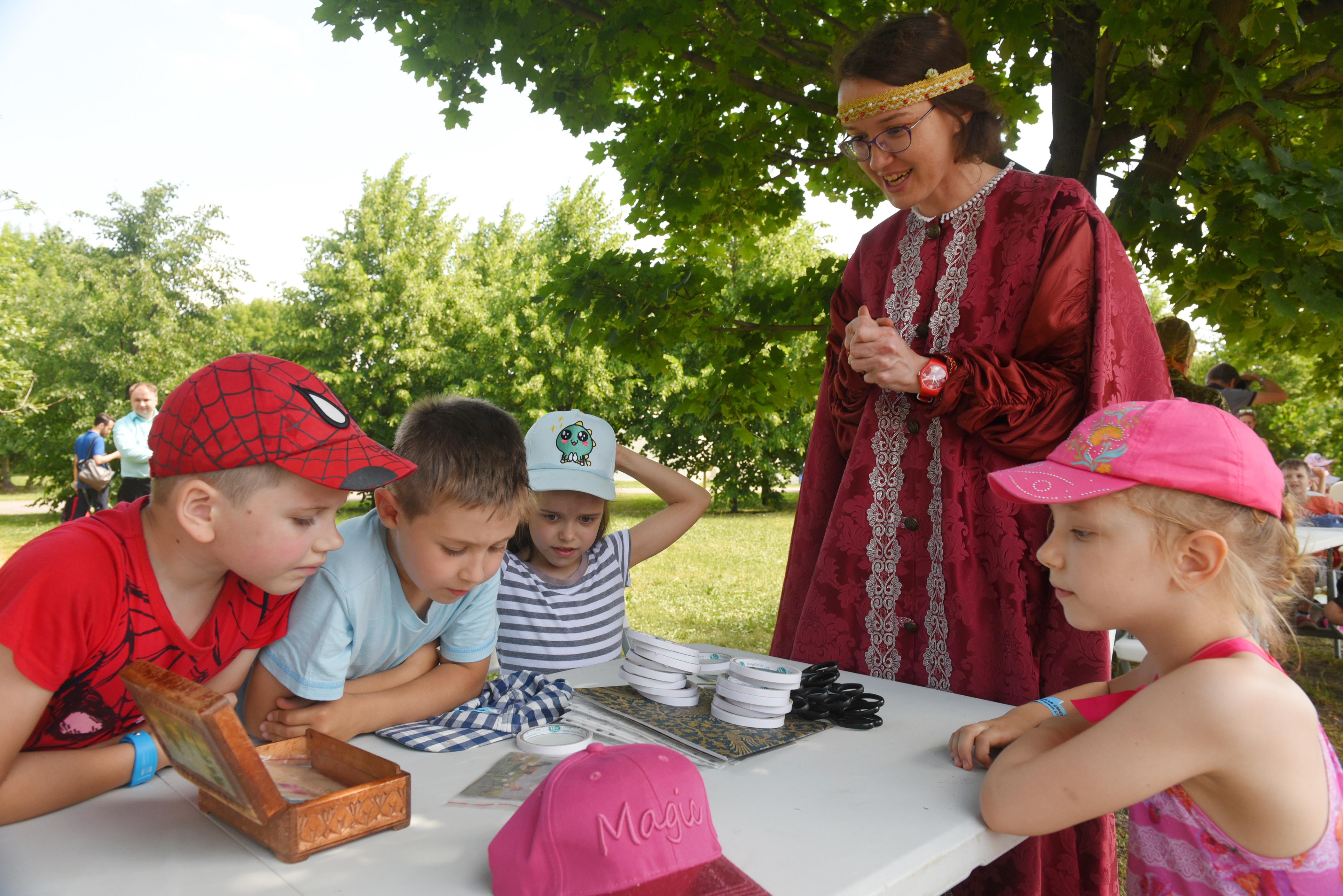 Свыше 1200 мастер-классов проведут для детей в День города